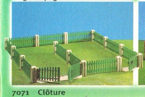 9b maison moderne exterieur 7071 cloture photo archive. Black Bedroom Furniture Sets. Home Design Ideas