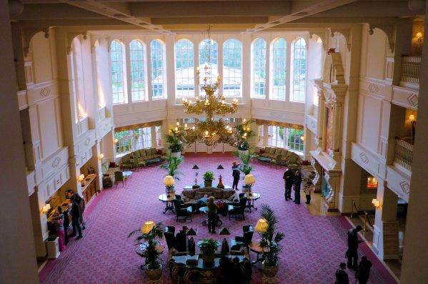 Int rieur de l 39 hotel de disney blog de le monde magic for Interieur hotel disney