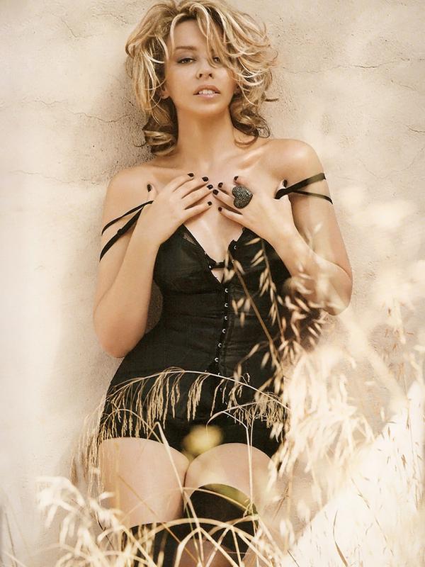 Kylie Minogue for Vogue ( February 2010 )