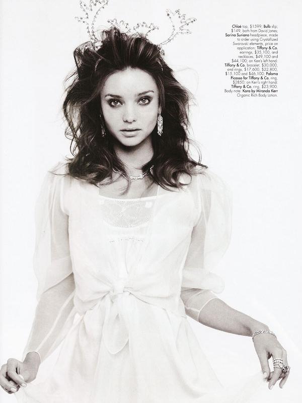 Miranda Kerr for Harper's Bazaar Australia( December 2009 )