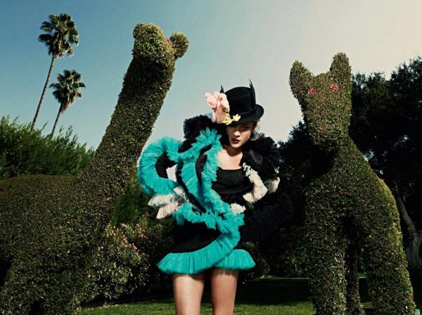 Chloë Sevigny for Harper's Bazaar Russia( April 2010 )