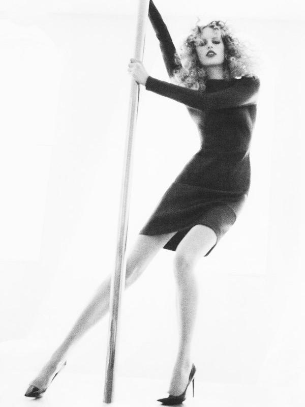 Karolina Kurkova for Vogue Spain ( September 2010 )