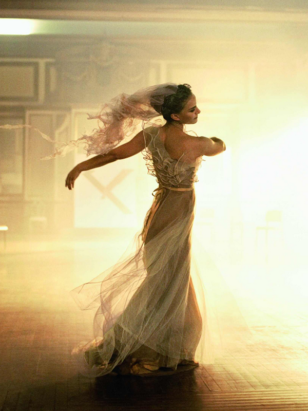 Natalie Portman for Vogue US  ( January 2011 )