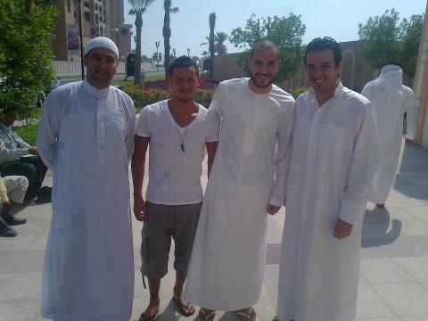 Apres Sal�t l'aid a Qatar