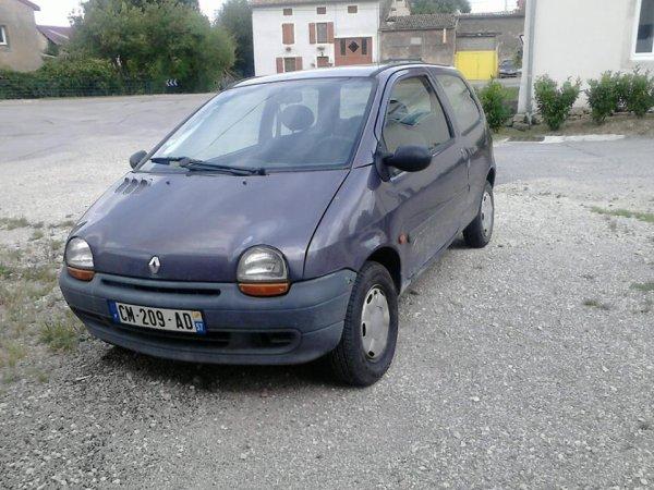 voi i quelques photos de ma twingo sympa comme petite voiture ma voiture. Black Bedroom Furniture Sets. Home Design Ideas