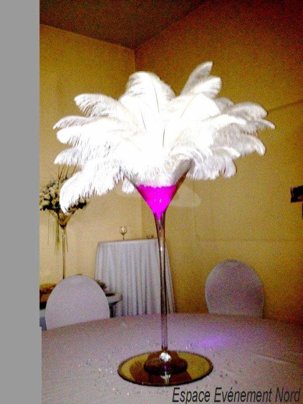 Centre de table lumineux avec plumes d 39 autruches d coration photo location pour - Centre de table avec miroir ...