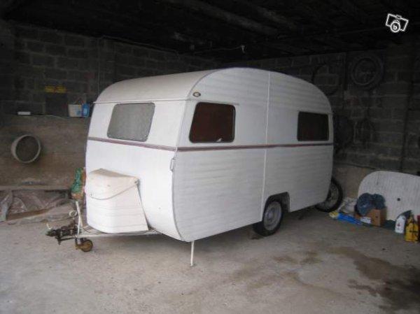 une caravane loup vue vendre sur leboncoin caravane. Black Bedroom Furniture Sets. Home Design Ideas