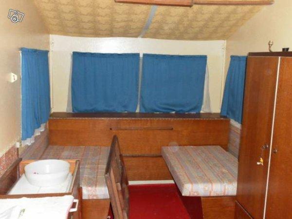 une vieille esterel pas encore rigipli vue sur leboncoin caravane ode la caravane. Black Bedroom Furniture Sets. Home Design Ideas