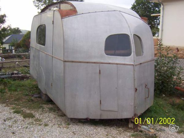 etonnante occasion sur leboncoin de 1951 en aveyron c 39 est pour qui caravane ode. Black Bedroom Furniture Sets. Home Design Ideas