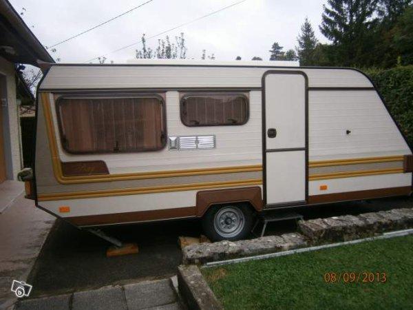 une superbe pony tesserault vue sur leboncoin parfaite caravane ode la caravane. Black Bedroom Furniture Sets. Home Design Ideas