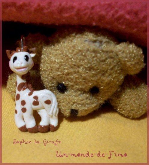cent dix huiti me objet bijoux de portable sophie la girafe un monde de fimo. Black Bedroom Furniture Sets. Home Design Ideas