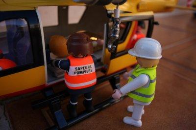 Blog de conflent66 page 2 le nouveau centre de secours - Playmobil samu ...