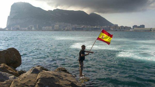 BFMTV  International   Europe Après le Brexit, l'Espagne demande une co-gestion de Gibraltar  24/06/2016 à 11h06