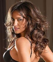 Visite surprise hier de l'actrice <b>Dounia Boutazout</b> au Salon Plus belle la <b>...</b> - 3176322901_1_6_HKvKEei2