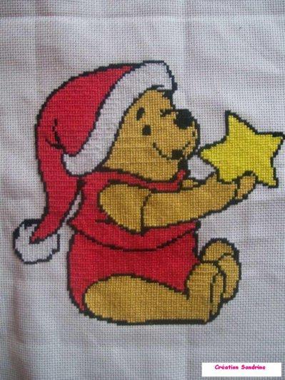 Broderie winnie l 39 ourson noel toi et moi - Winnie l ourson noel ...