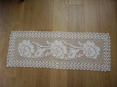 Jet de table realisations au crochet for Chemin de table crochet