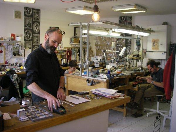 artisant bijoux super sympa rue baratoux