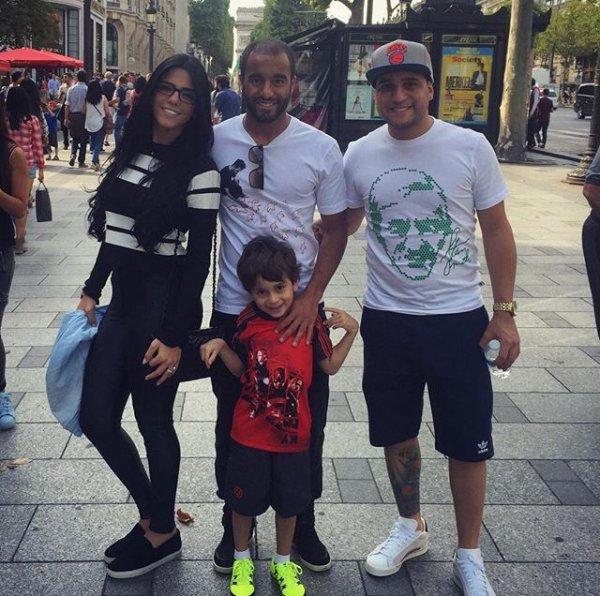 Lucas Moura Wife Instagram: Larissa & Lucas Sur Les Champs Élysées