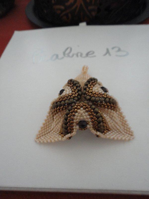 un pendentif , dans mes couleurs favoritent, re�u en cadeau...merci beaucoup Ren�e....