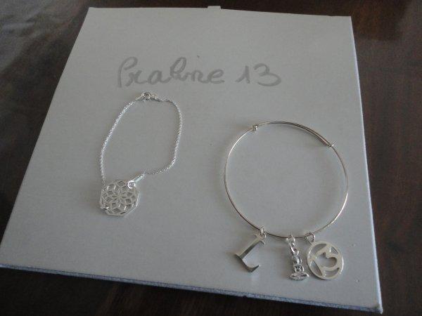 tout d'abord 2 bracelets, que j'ai mont� en argent 925�me, offert � 2 amies qui me sont tr�s ch�res
