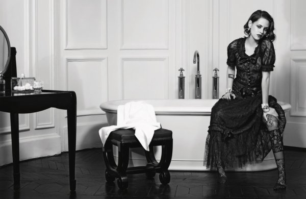 Chanel: Veterans shots of Kristen for the advertising campaign 'M�tiers d'Art Paris In Rome' HQ