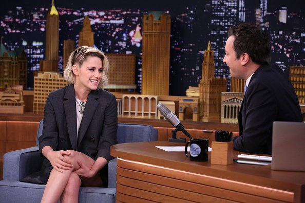 Caf� Society: Kristen in the talk show 'The Tonight Show Starring Jimmy Fallon'