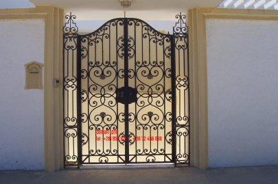Portail fer forg 73 harmonie de fer forg tunisien for Porte fer forge en tunisie