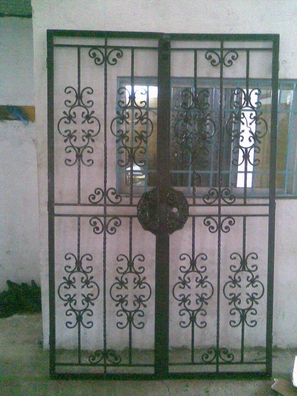 Portail fer forg 89 harmonie de fer forg tunisien for Portail fer forge tunisie