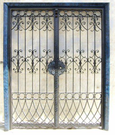 Portail fer forg 93 harmonie de fer forg tunisien for Porte fer forge en tunisie