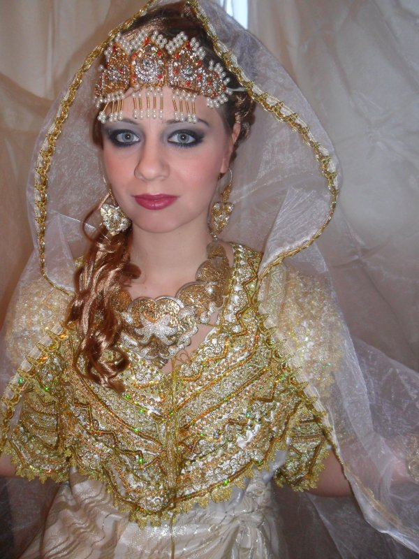 Maquillage mariage kabyle for Salon kabyle