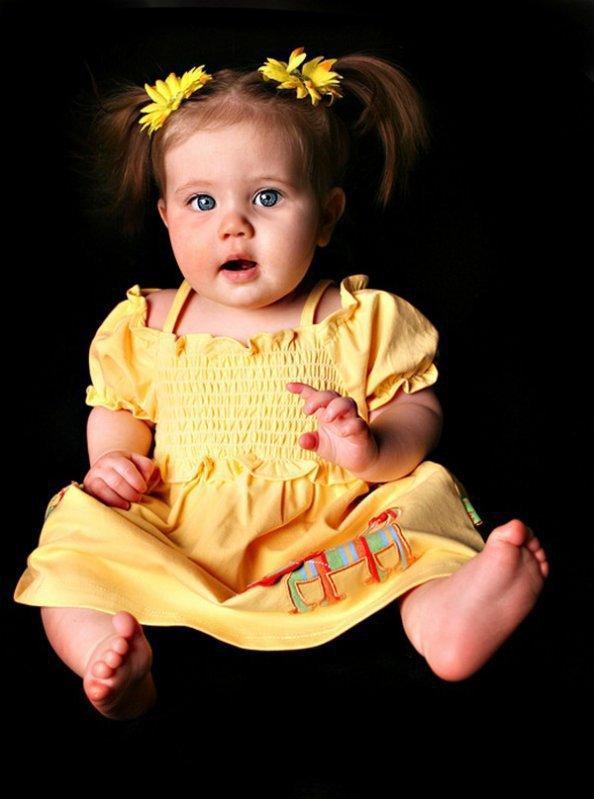 une petite fille avec des couettes blog de luna80470. Black Bedroom Furniture Sets. Home Design Ideas