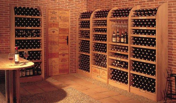 plus de 1000 bouteilles de vin dans une trappe comme la cr ation non seulement les bouteilles. Black Bedroom Furniture Sets. Home Design Ideas