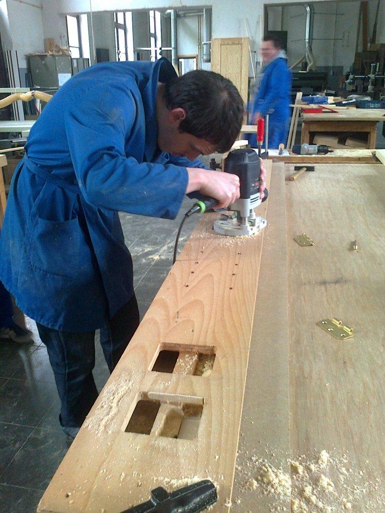 Module ossature bois avec pose d 39 une porte int rieure et for Pose d une porte interieure