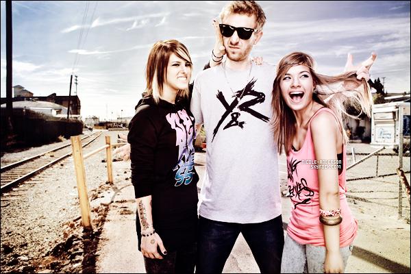 """. D�couvrez un shoot de Nicole pour la marque """"Young & Reckless"""" par Corey Nickols datant de 2011. TOP ou FLOP?   ."""