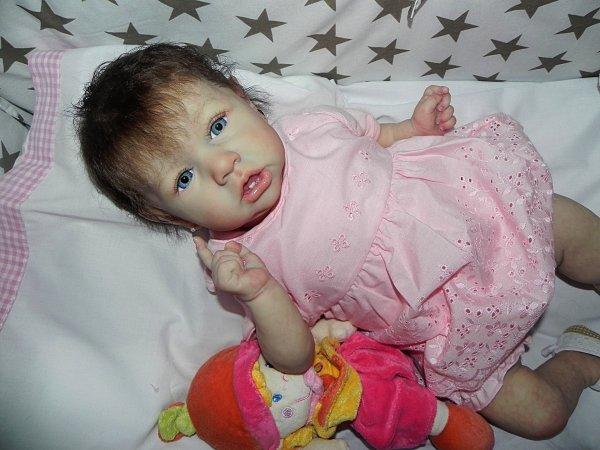 Petite puce d'Amour:Saskia adopt�e merci a Arlette sa maman