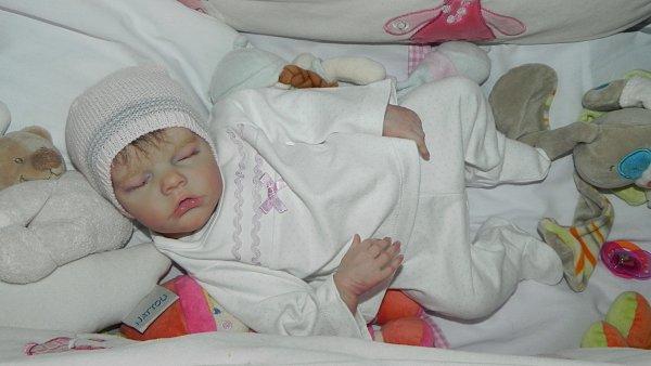 B�b� reborn twin B par bonnie BROWN, chut elle dort