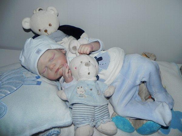 Noa bébé d'Amour de Noel adopté merci a sa maman