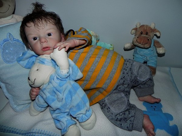 Thimoté bébé de Noel merci a sa jeune maman