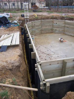 Ajout drain puit de d compression construction piscine for Tarif bache pour bassin