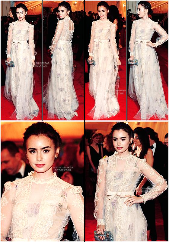 *   7/05/2012 - Lily �tait pr�sente au  Costume Institute Gala au Metropolitan Museum, � New-York. Pour ma part, je la trouve magnifique. Elle � des airs de poup�e *