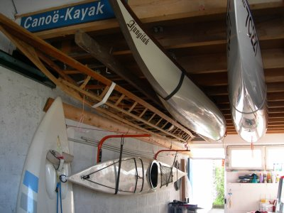 rangement des kayaks dans mon garage 2 blog de dplouepic. Black Bedroom Furniture Sets. Home Design Ideas