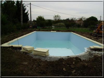 liner et mise en eau construction et volution de ma piscine desjoyaux. Black Bedroom Furniture Sets. Home Design Ideas