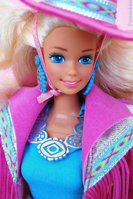 1989 barbie western fun vendue (reste sa veste et son chapeau)