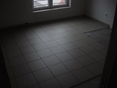 Appartement en carrelage 30x30 gr s cerame et plinthes for Carrelage 30x30
