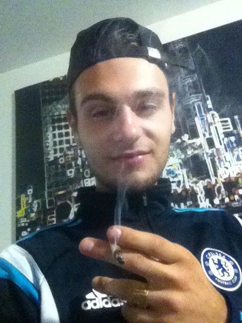 Blog de zeyux pur produit kalashnikov on ne sort pas de for Miroir casse conjurer sort
