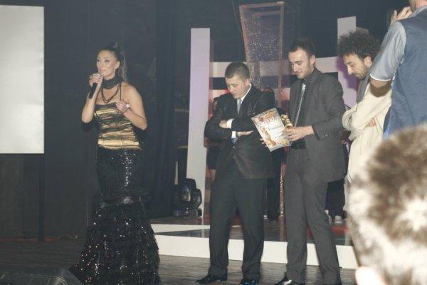 Genta Ismajli - BEST VIDEO & BEST POP FEMALE - Zhurma Show Awards 2010 |