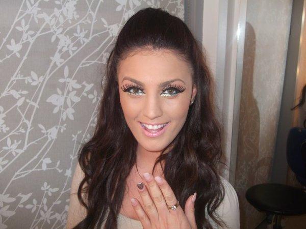Genta Ismajli - Femra me e bukura shqiptare!