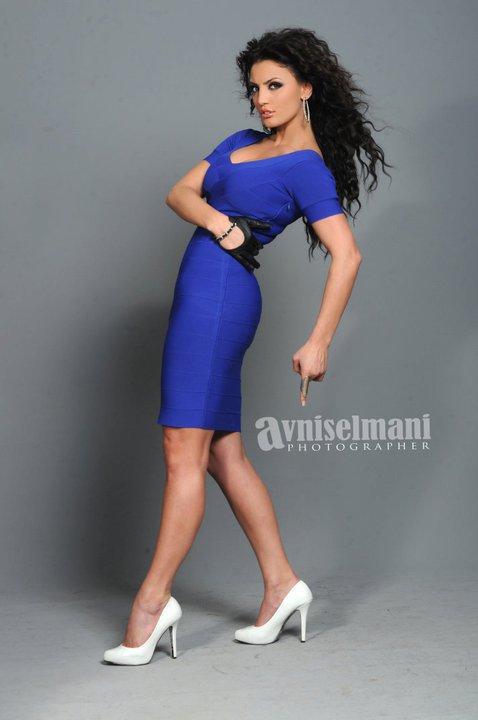 Genta Ismajli - Revista Select 2011