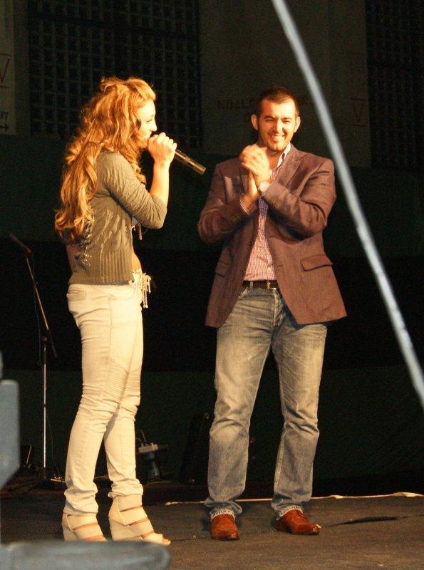 Genta Ismajli & Labinot Tahir - Koncert humanitar ne Mitrovic - 20.06.11