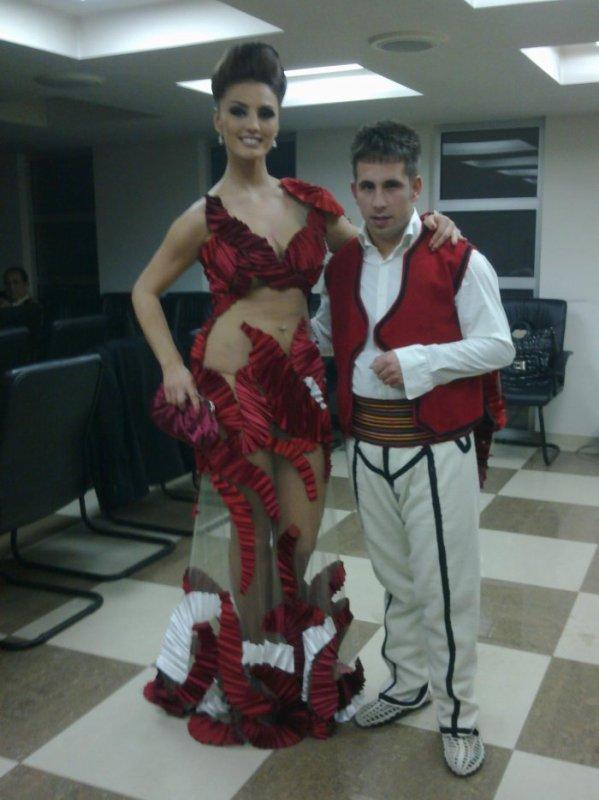 Genta Ismajli - Per xhirimet e vitit te ri 2012, RTV21